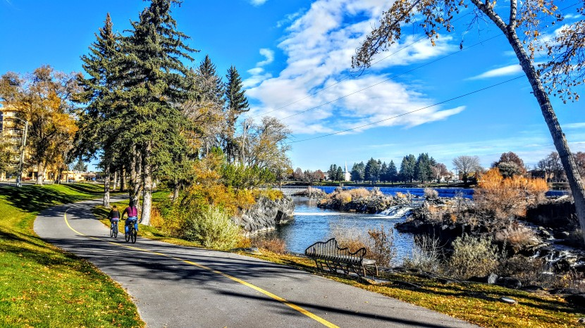 Idaho Falls: Coffee, stroll & art you can sit on