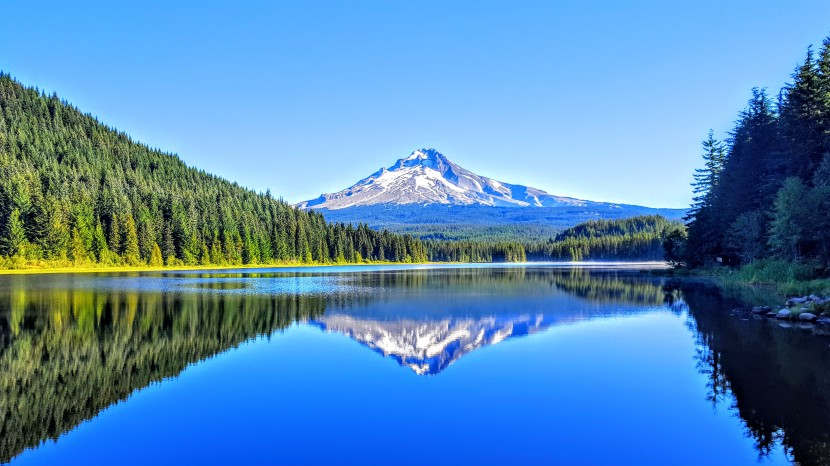 Trillium Lake Loop Trail, a place for quick reflection